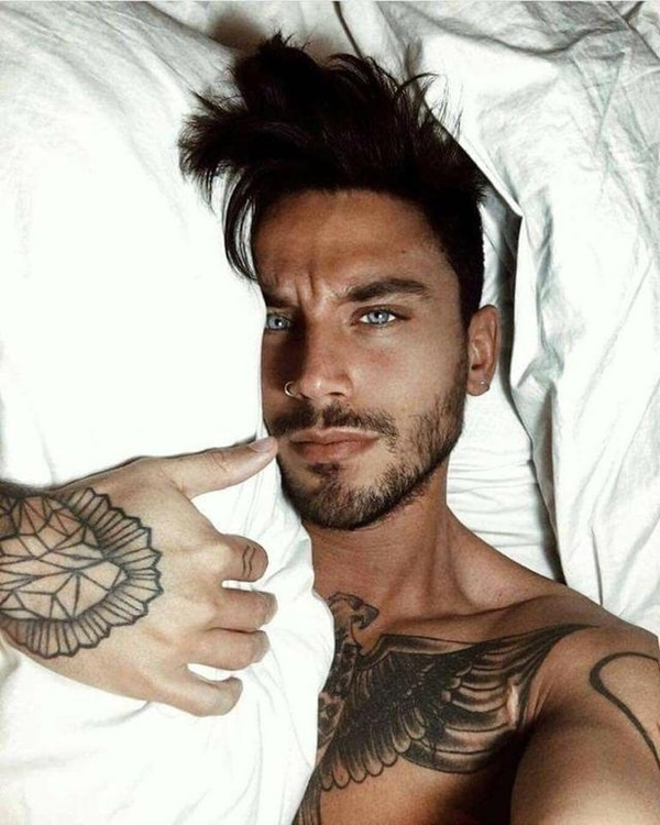 Best Selfie Poses For Guys To Look Charming