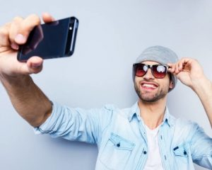 26 Best Selfie Poses For Guys To Look Charming Macho Vibes