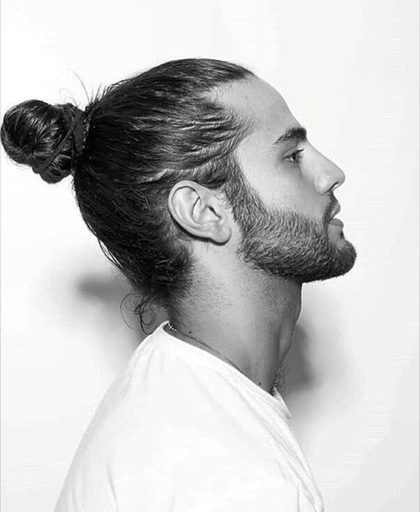bun-hairstyle-men-which-suits-any-outfit