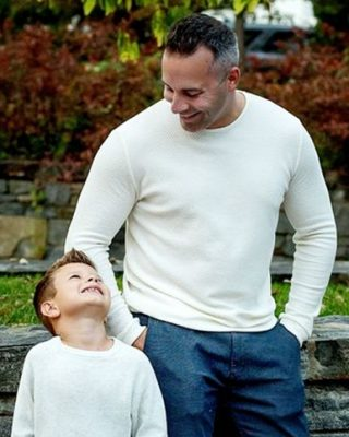 Best-Father-Son-Photography-Poses
